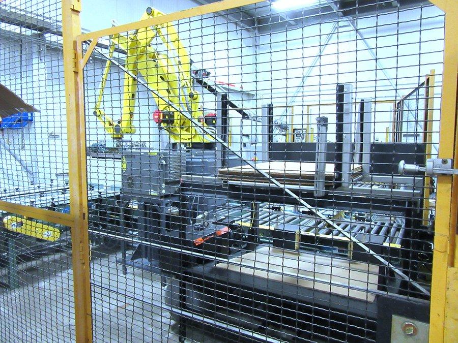 FANUC M-410 case palletizing robot automation cell