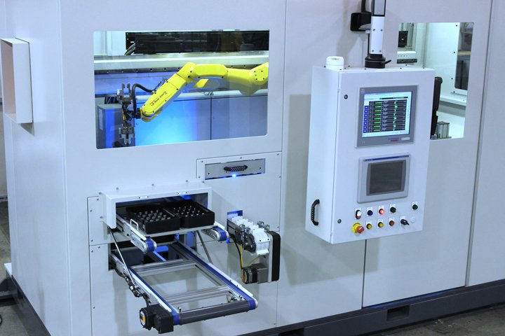 Robotic Gauging And Inspection Cell With FANUC Robot