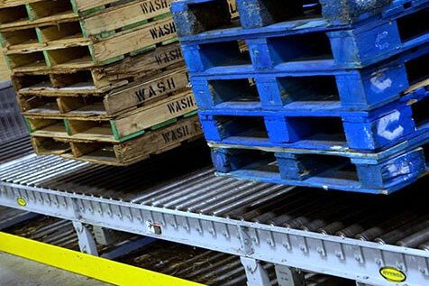 Hytrol Chain Driven Live Roller Conveyor CDLR with pallet loads
